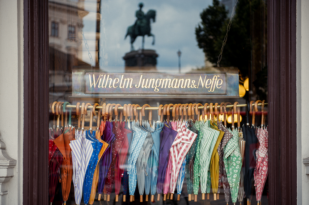 window display, umbrella, vienna, photos and the city