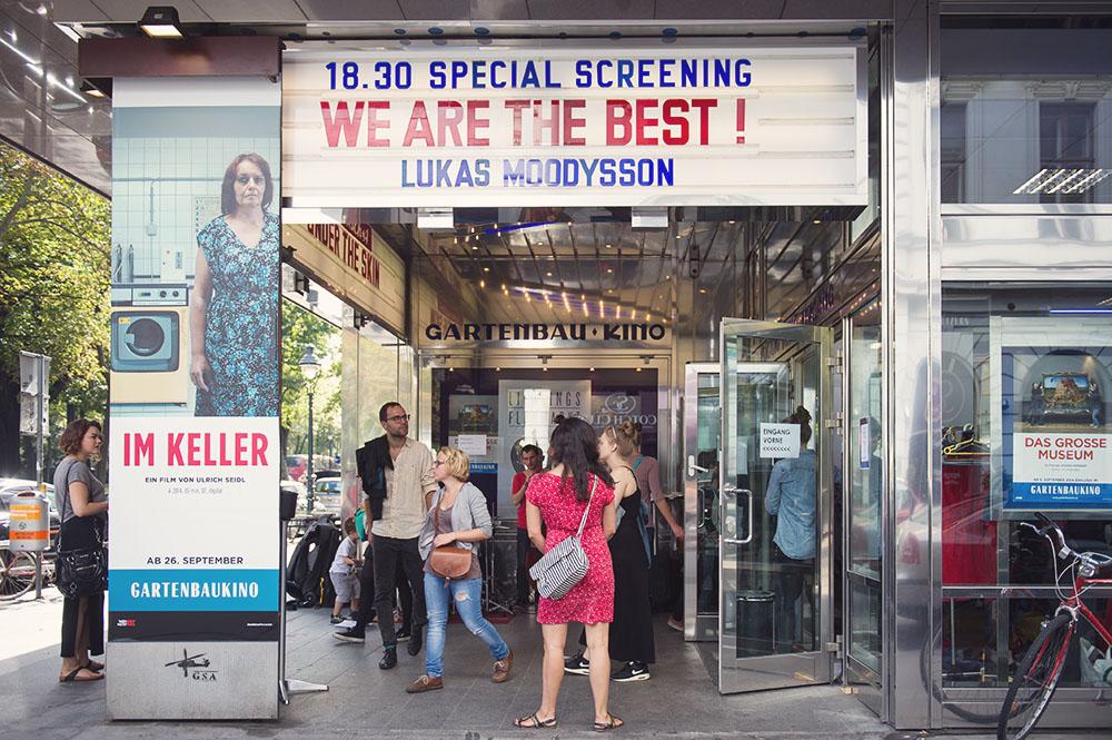 gartenbau kino, fleamarket, vienna