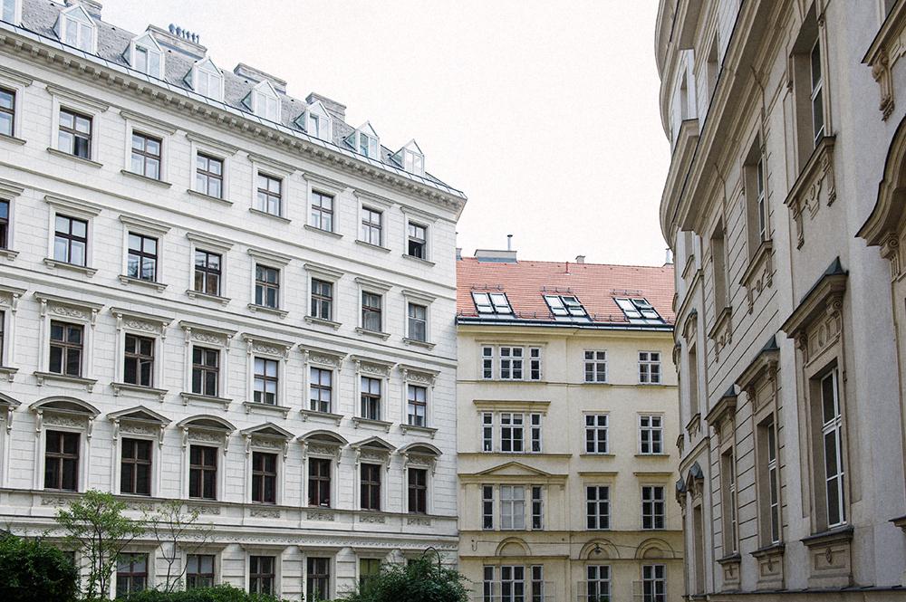 gruenangergasse, vienna, downtown, architecture
