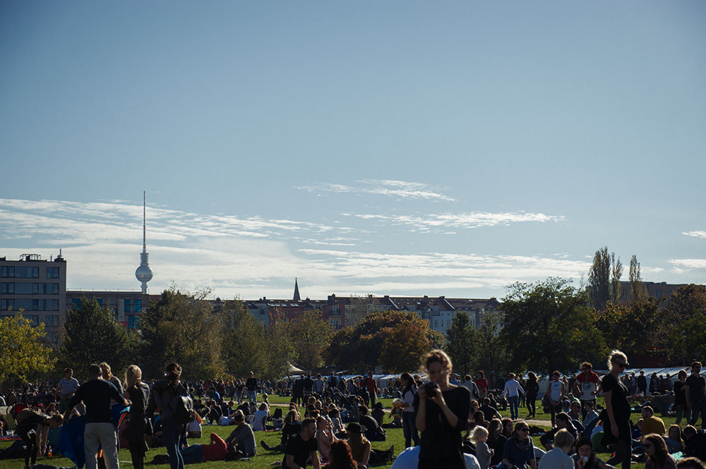 berlin, mauerpark, fleamarket, sunday, autumn, sunshine, shopping