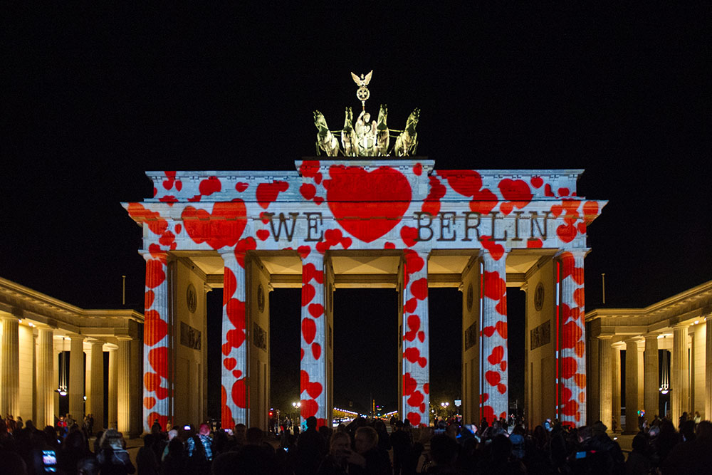 berlin, festival of lights, love, germany, dark, night, brandenburger tor