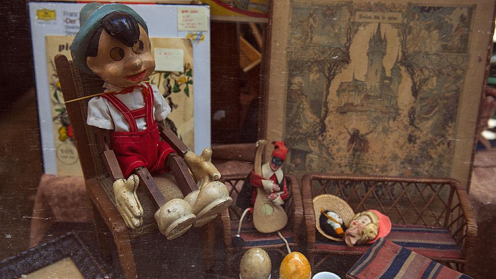 venice, fleamarket, pinocchio, doll, vintage
