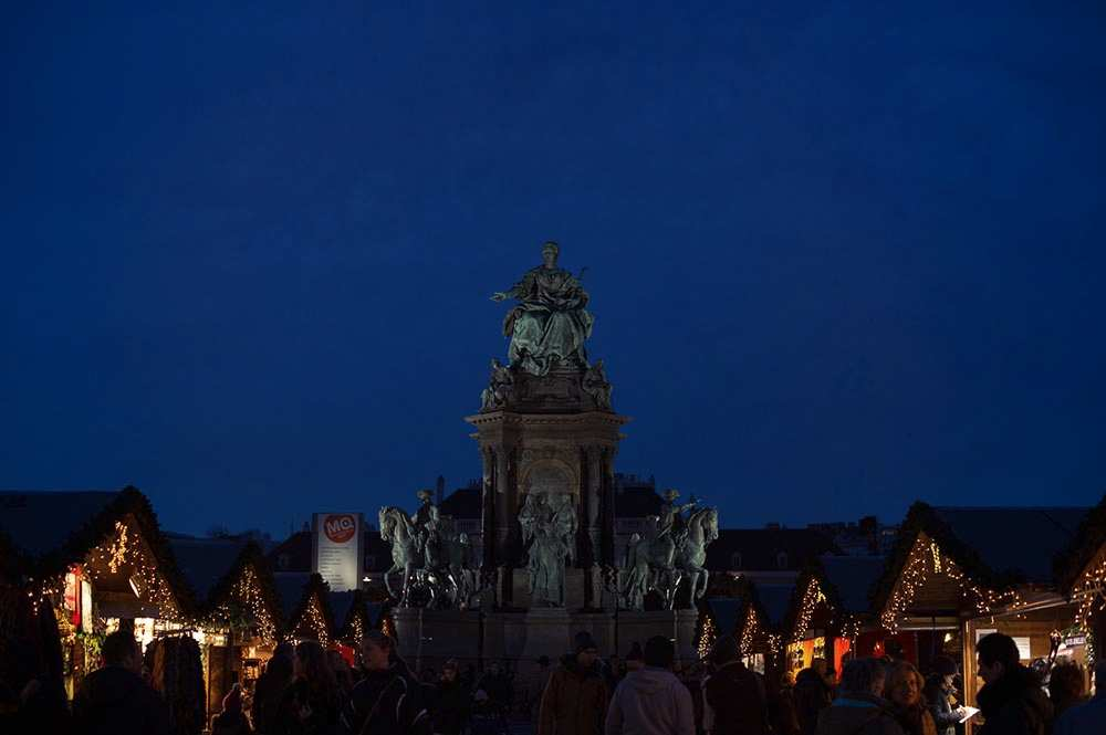 vienna, christmas, fair, lights, advent, 1010, maria therein platz, weihnachtsdorf