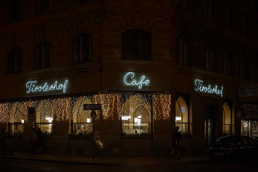 citylights, vienna, at night, 1010, cafe tirolerhof