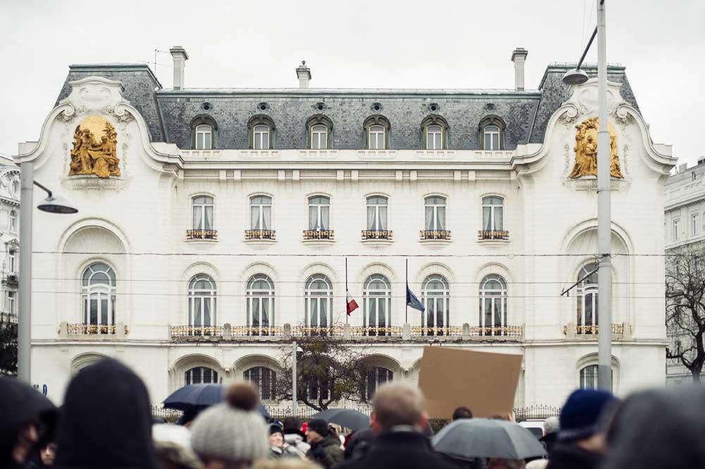 Vienna, je suis charlie, demonstration, french embassy, schwarzenbergplatz, ballhausplatz, freedom