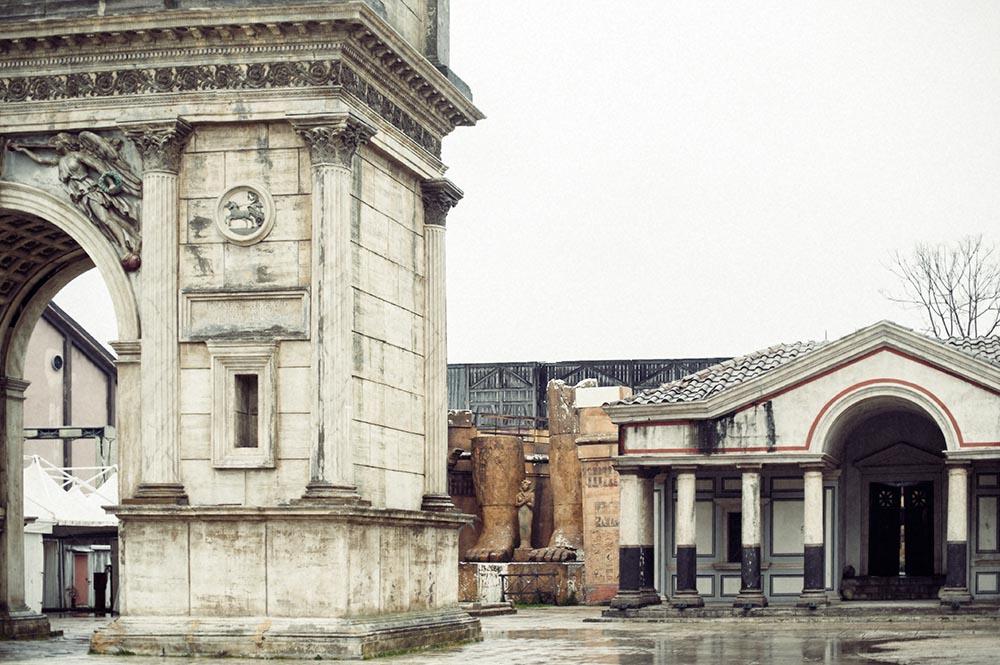 rome, cinecittà, italy, movie, set, rain