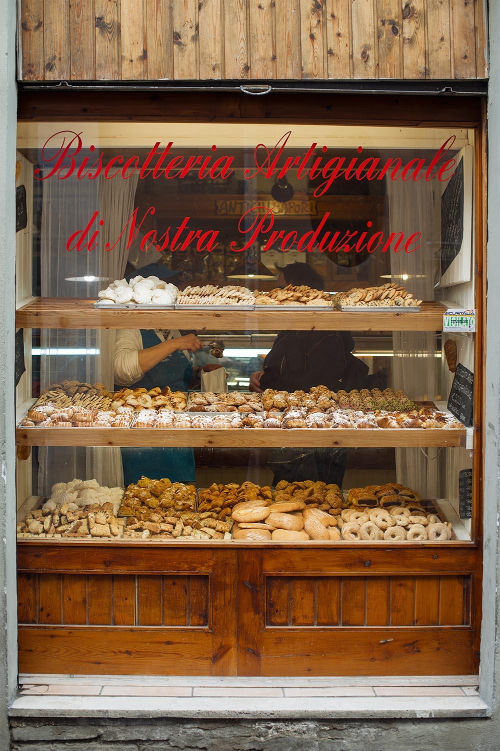 pasticceria, cornetto, italy, breakfast, nutella, foodie