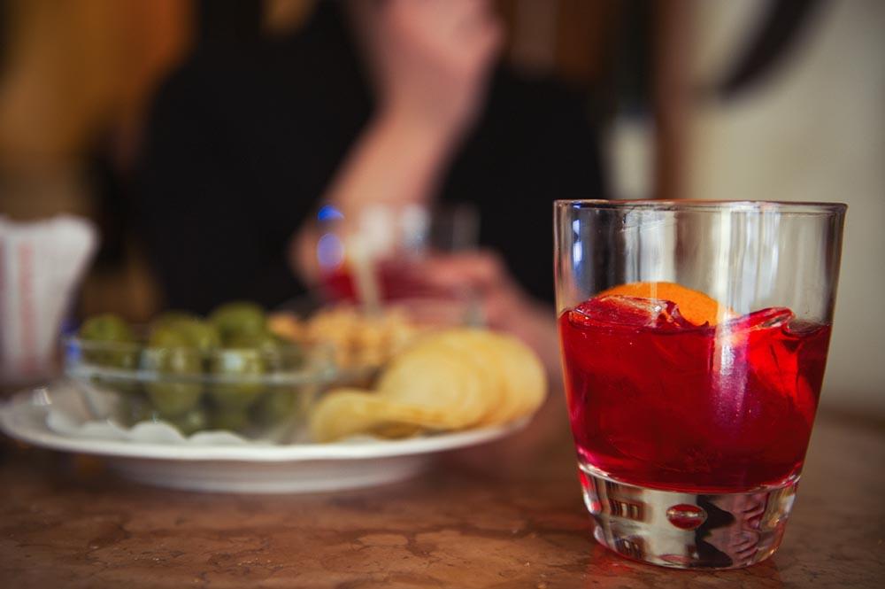 aperitivo, drink, rome, campari