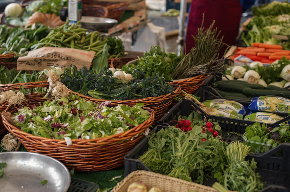 campo de fiori, roma, italy, market, spring, shopping, made in italy, food, flowers