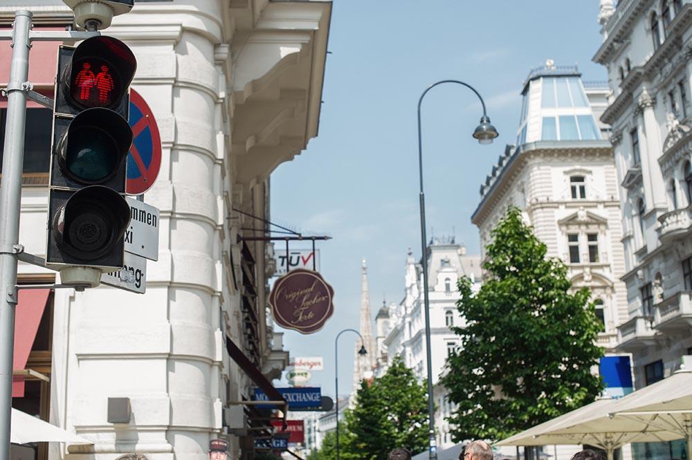 pedestrian traffic light, vienna, couple love, awareness, kärntnerstraße, steffl