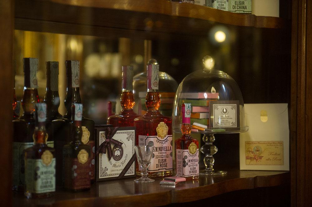 Officina Profumo Farmaceutica di Santa Maria Novella, firenze, italy, pharmacy, vintage, shop, museum