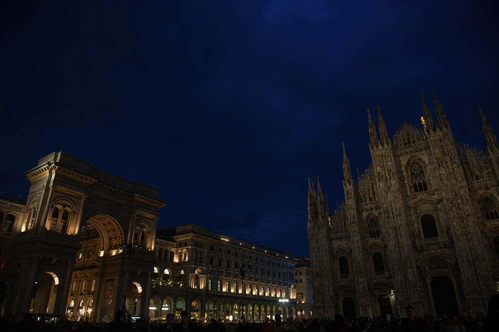 milan, italy, at night, duomo