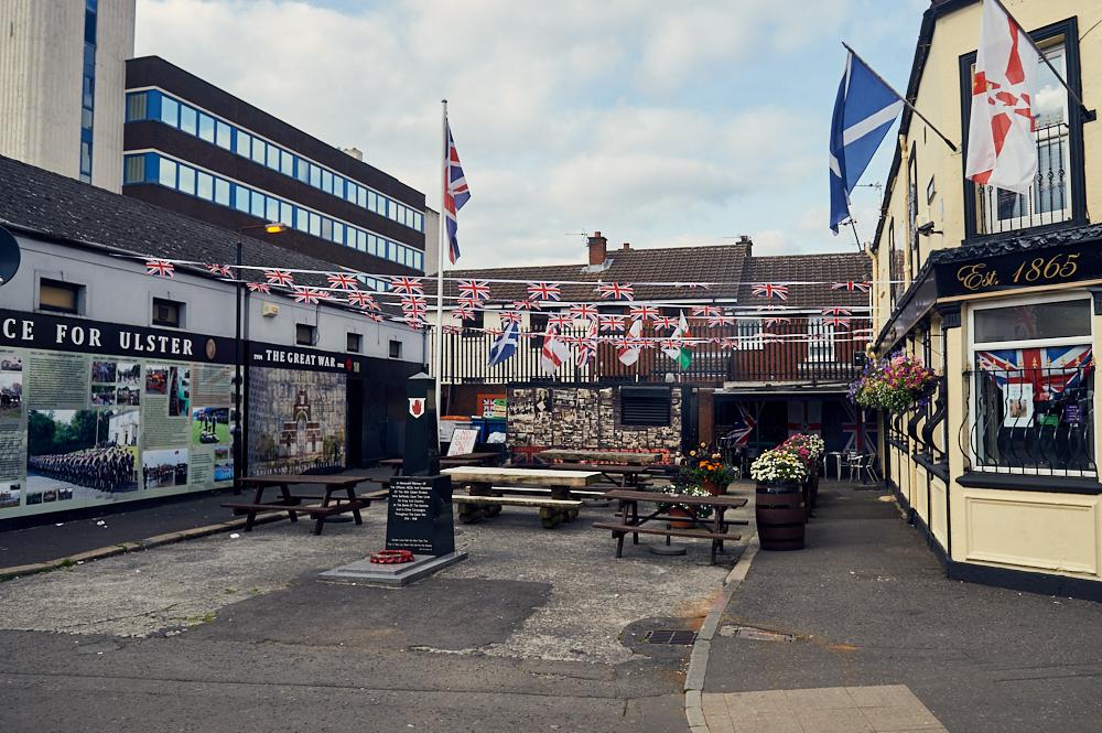 belfast, peace wall, nirthern ireland, uk, the troubles, murals, street art
