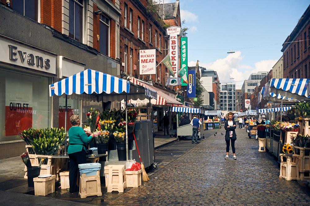 Walking around Dublin 28