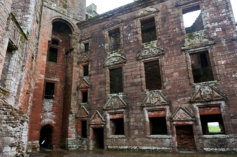 Caerlaverock Castle, scotland, national trust, castle, ruin, dumfries and galloway, rain, ursula schmitz, photos and the city
