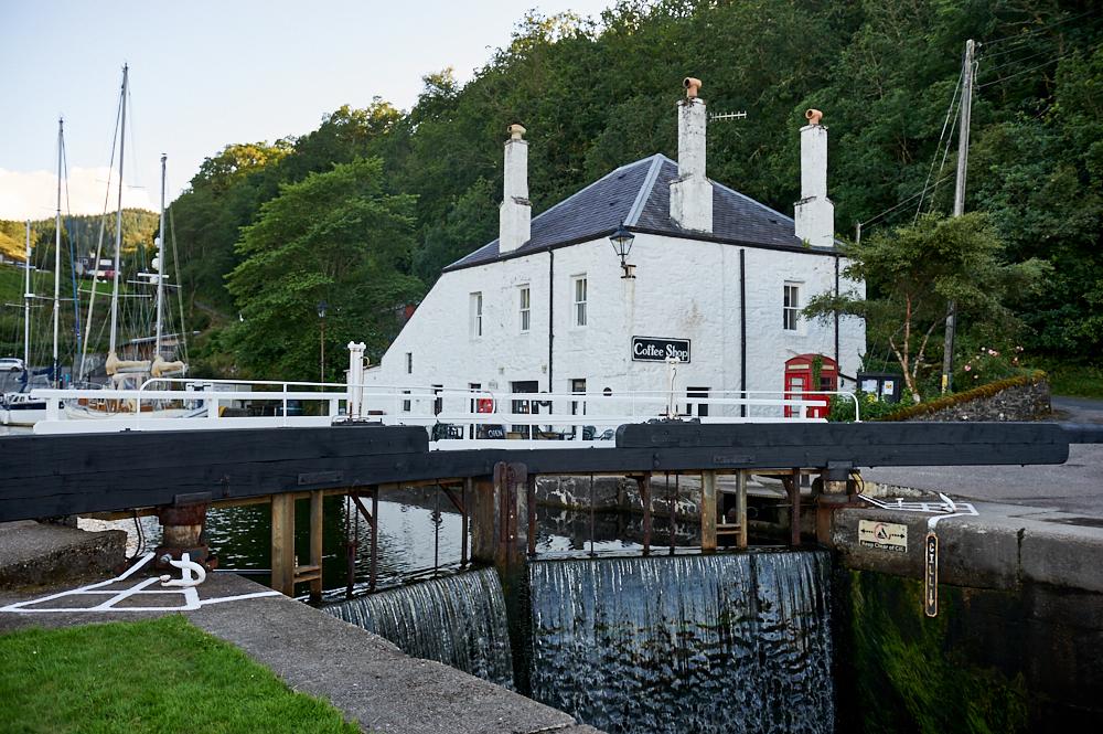crinan canal, bellanoch, scotland, argyll & bute, summer, my british summer, travel, walking, path, water, loch, sea