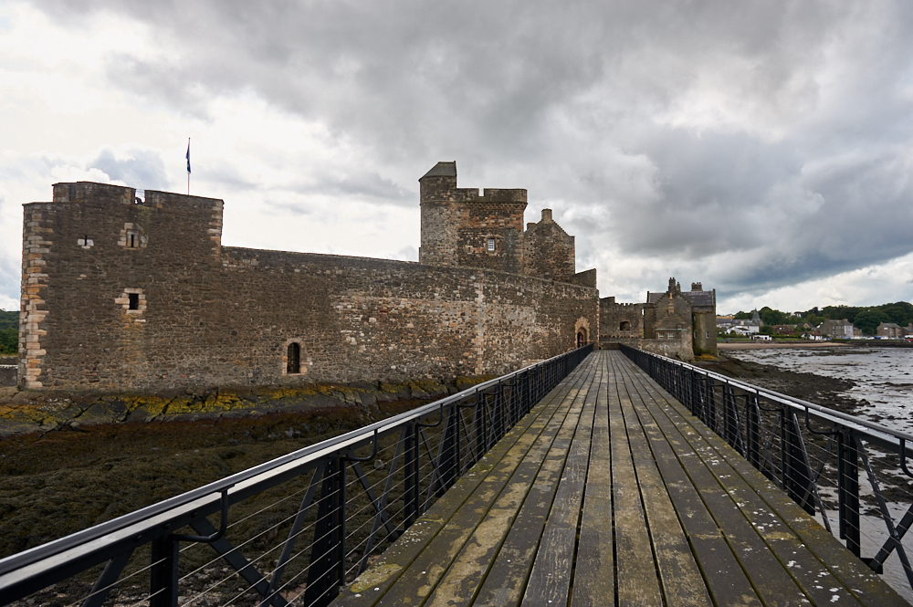 blackness castle, scotland, outlander, tv show, lothian