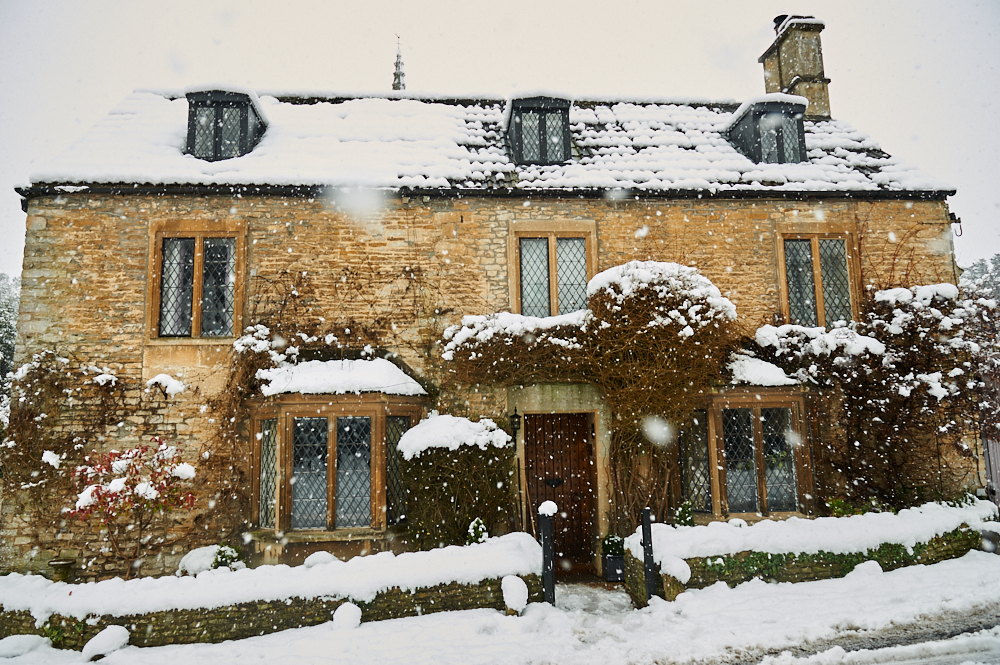 england, uk, winterwonderland, snow, winter, travel, castle combe, the cotswolds, cottages,