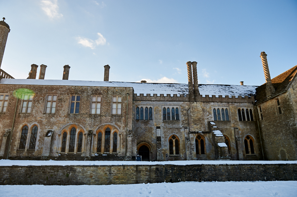 lacock, lacock abbey, harry potter, downton abbey, the cotswolds, wiltshire, england, uk, travel, snow, winter wonderland, sunshine, blue sky