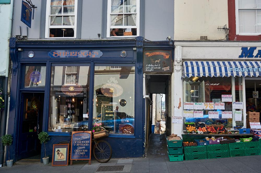 whitby, yorkshire, england, uk, fishing, town, stadt, urlaub, holiday, travel, reise, summer, sherlock café