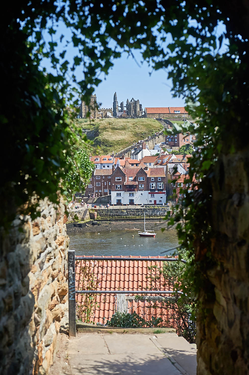 whitby, yorkshire, england, uk, fishing, town, stadt, urlaub, holiday, travel, reise, summer, abbey