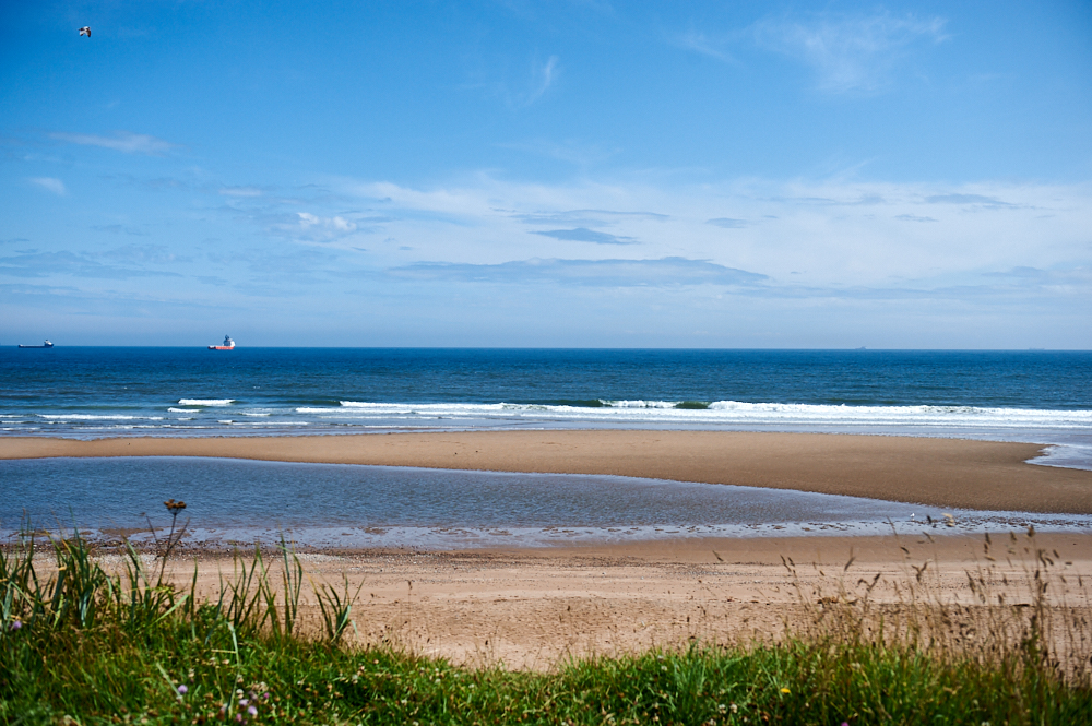 Aberdeen beach goes on for miles, what a beautiful summer´s day to spend in the sea