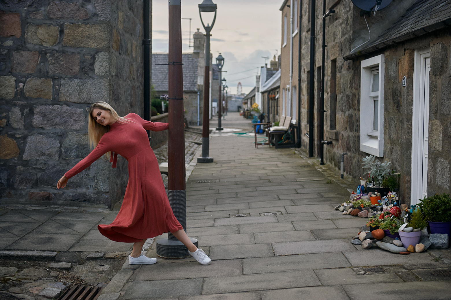 Eilidh dancing through Fittie, a charmin fishing village in Aberdeen.