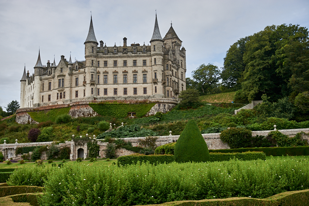 Dunrobin Castle, like a castle out of a fairytale on the Scottish Northcoast.