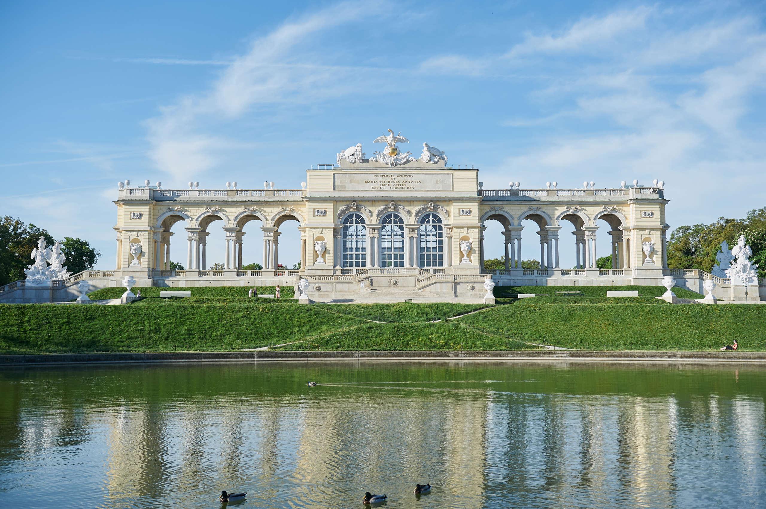 schönbrunn, schloß, palace, habsburger, wien, gloriette, sommerfrische, destination vienna,