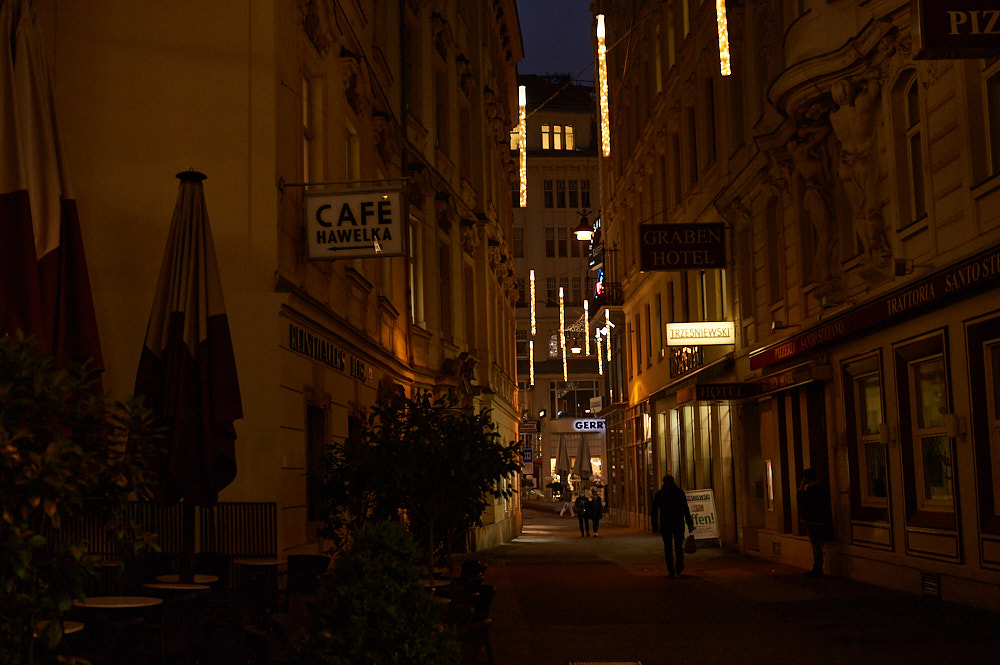 While Vienna is emptier than usual in this time of the year, the Christmas lights till sparkle and bring joy.